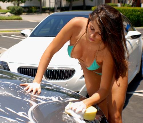 Bikini Model Washing Bmw E60 M5 Hood Addicted To The Game